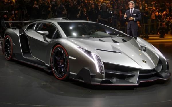 Snapshot-of-Geneva-Motor-Show-2013-in-Pictures_05-@-GenCept-700x437