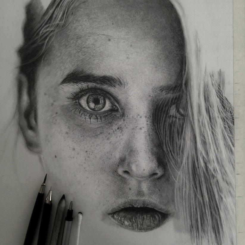 Hyper Realistic Drawings - Artist creates amazing hyper realistic 3d drawings